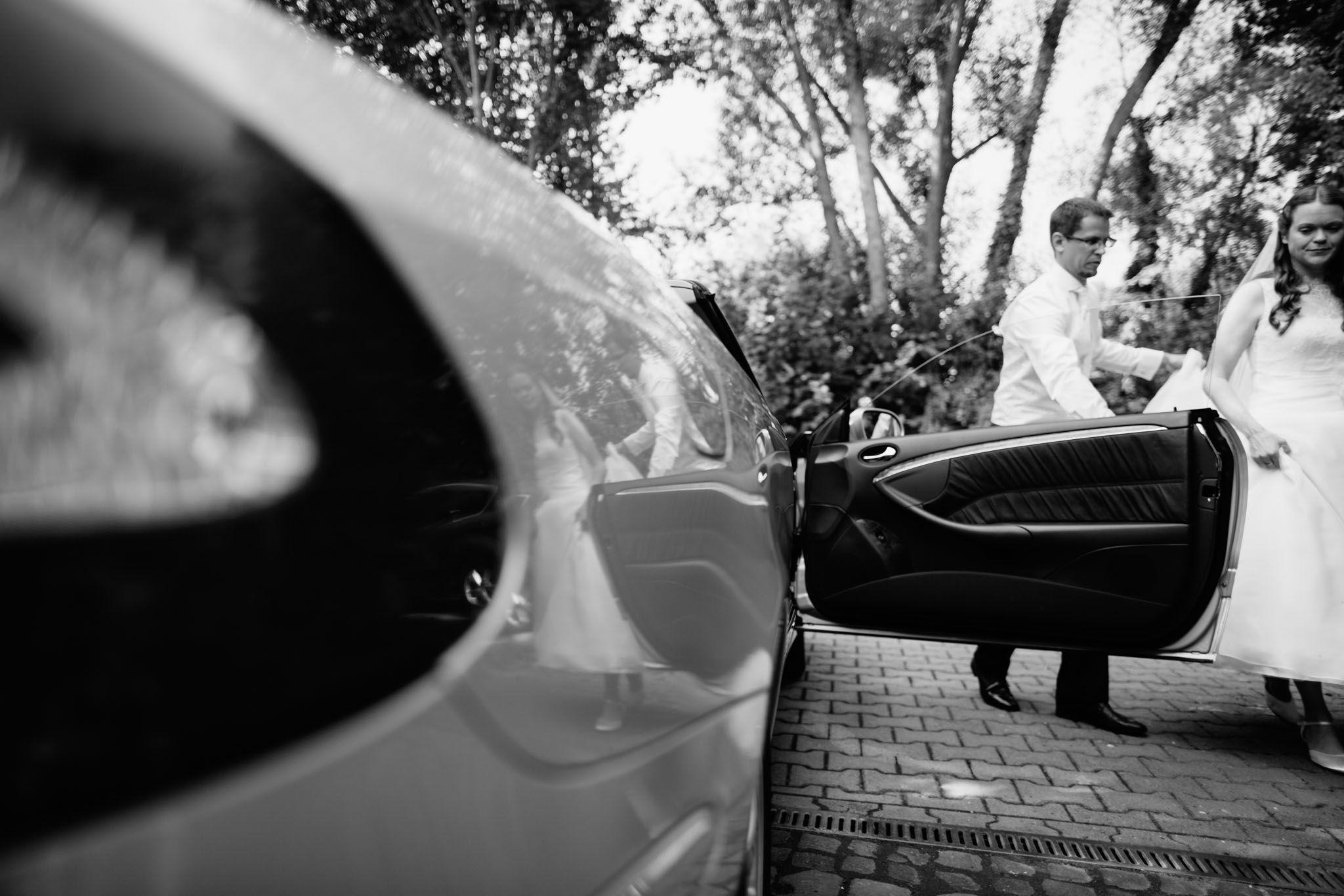 hochzeitsreportage-fotograf-schwarzweiss