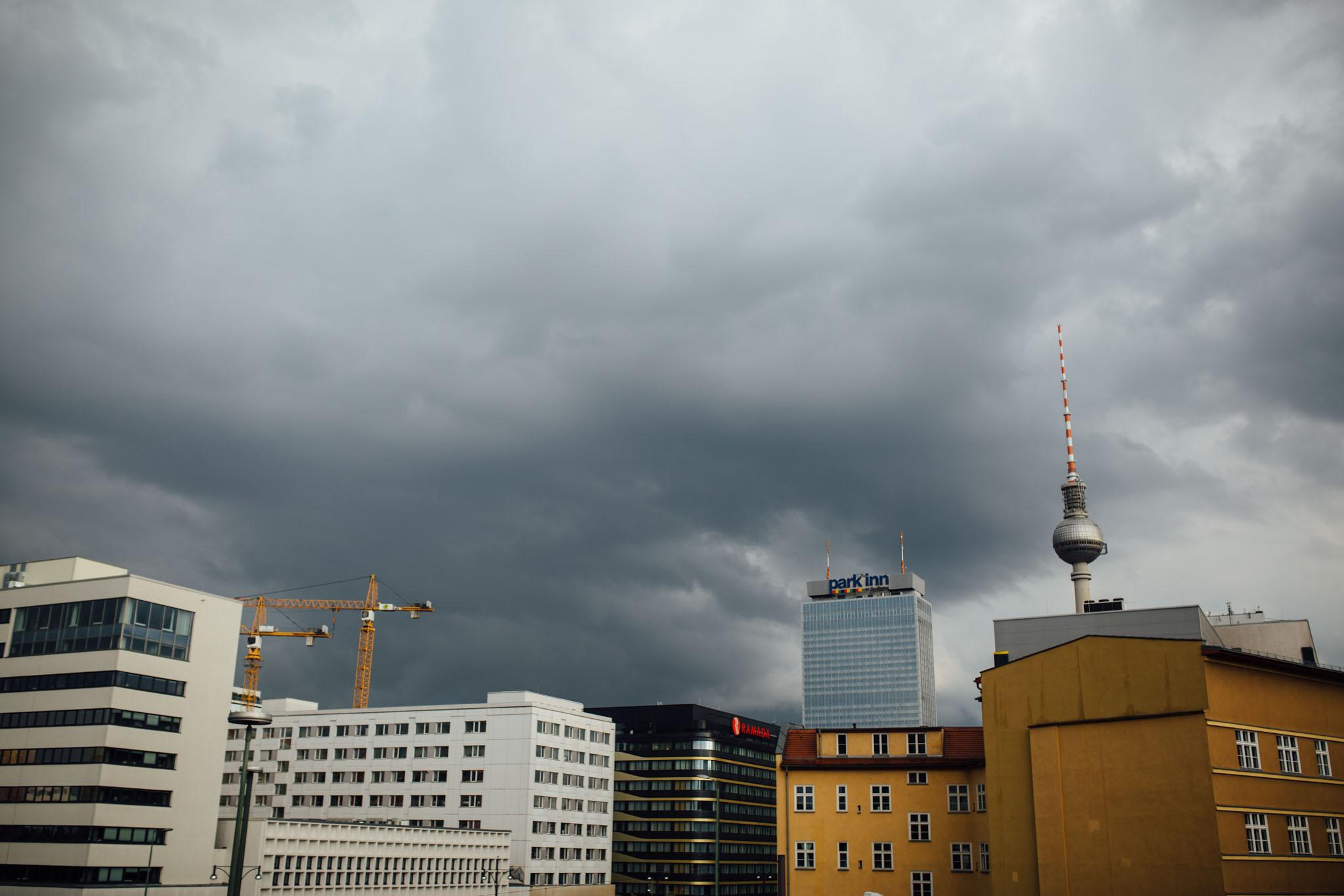 hochzeitsfotograf-berlin-urban-elegant-location