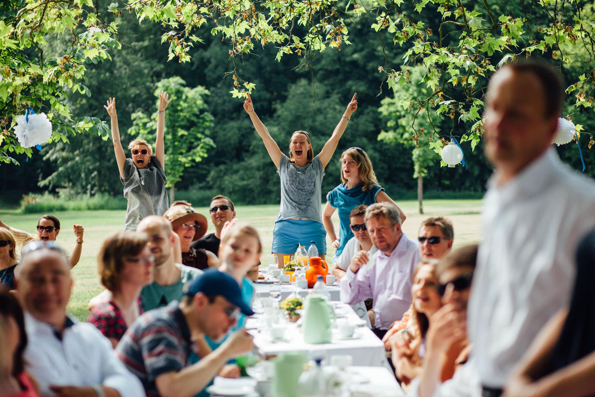 hochzeit-gut-suckow-uckermark-gäste-vorstellen