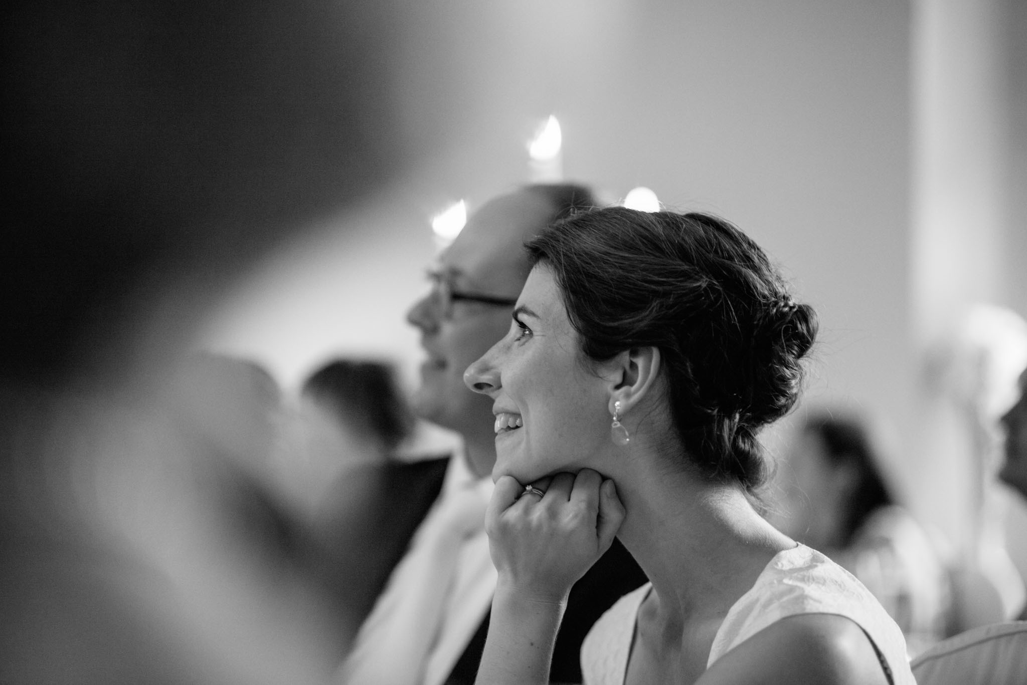 abendessen-hochzeit-braut-fotograf-reportage-schwarzweiss