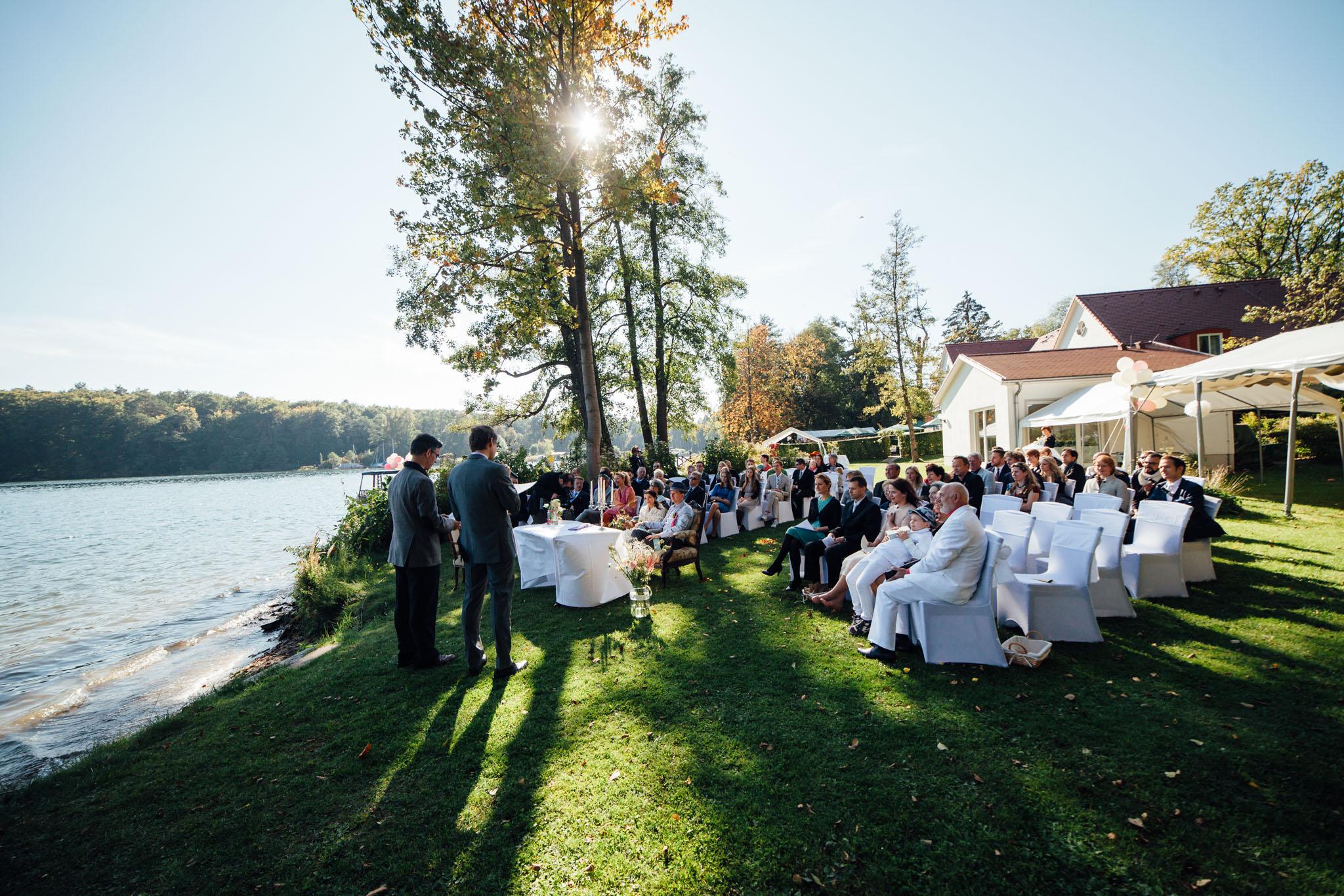 cafe-wildau-heiraten-draussen-freie-trauung