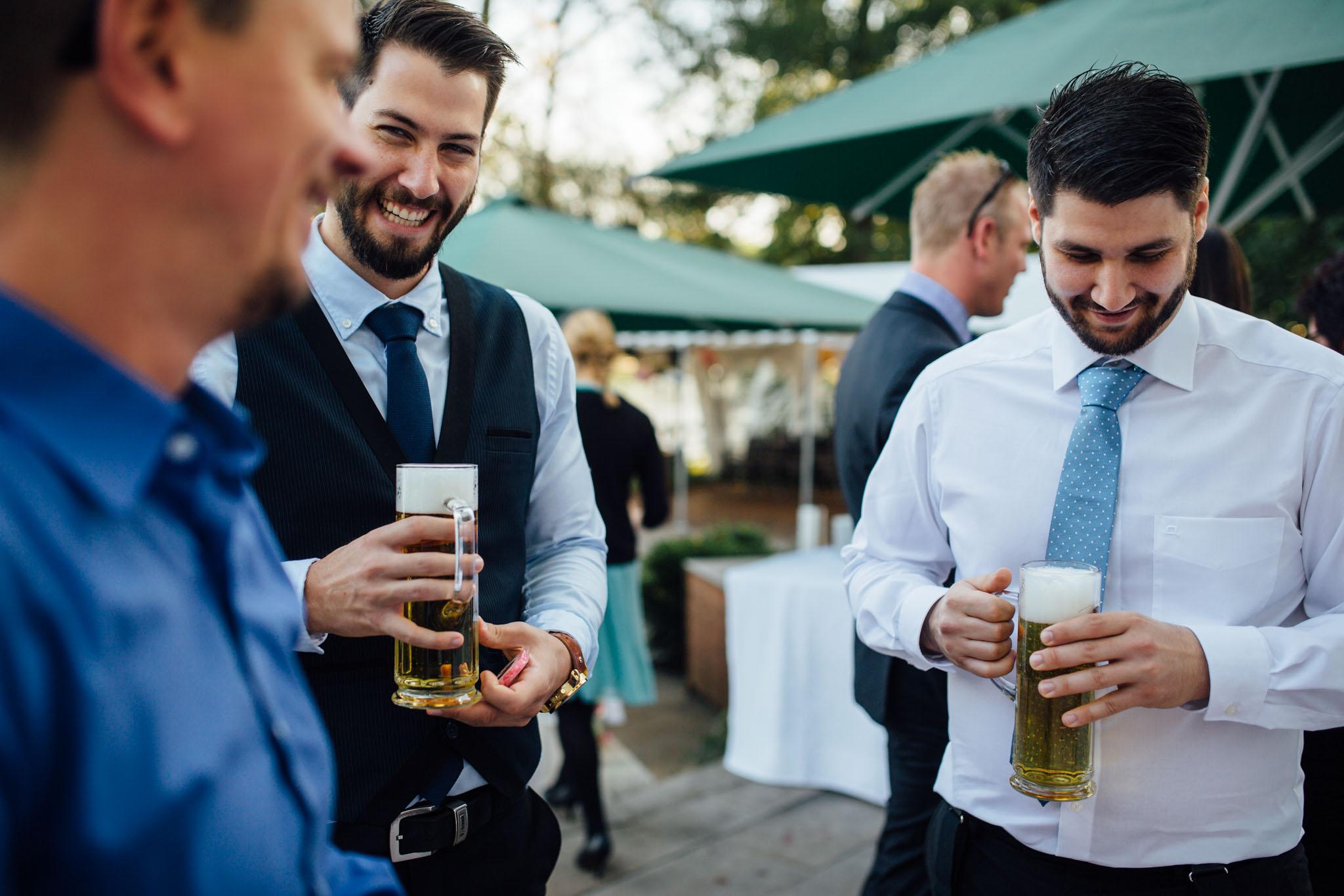 hochzeitsreportage-brandenburg-bier-werbellinsee-cafe-wildau