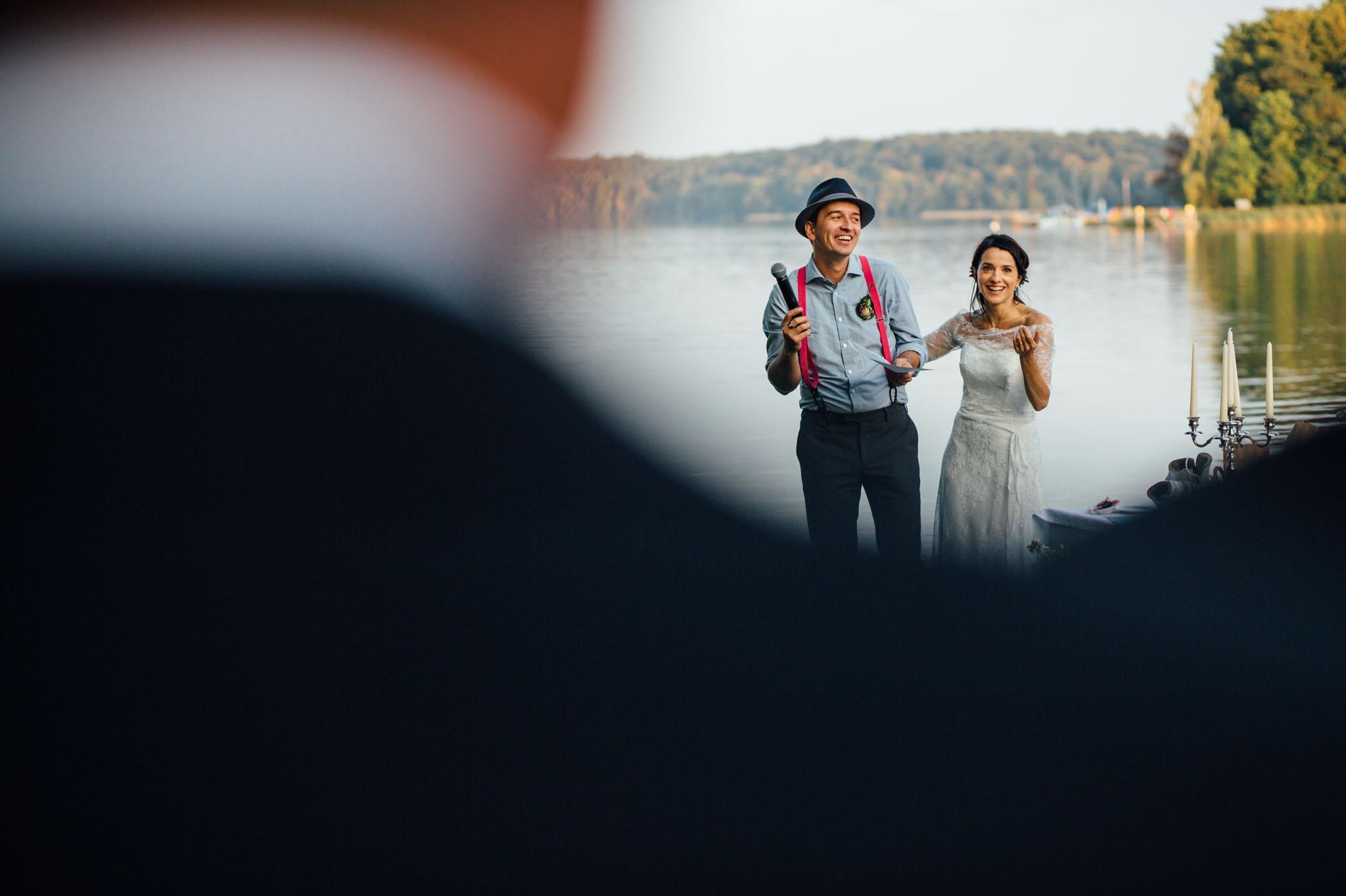 hochzeitsreportage-brandenburg-braut-bräutigam-ansprache-werbellinsee