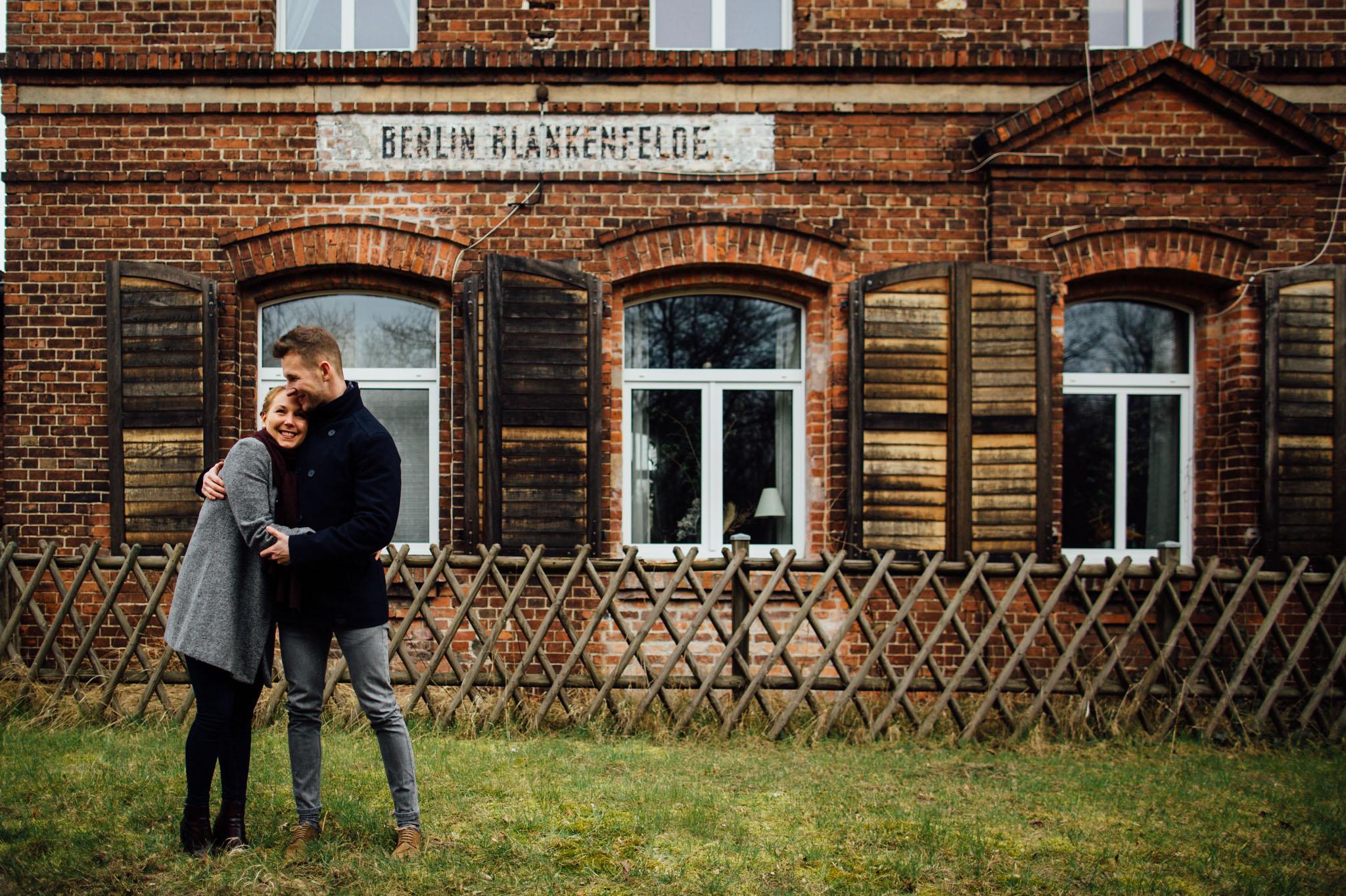 paar-shooting-hochzeitsfotos-berlin-lübars-tegel