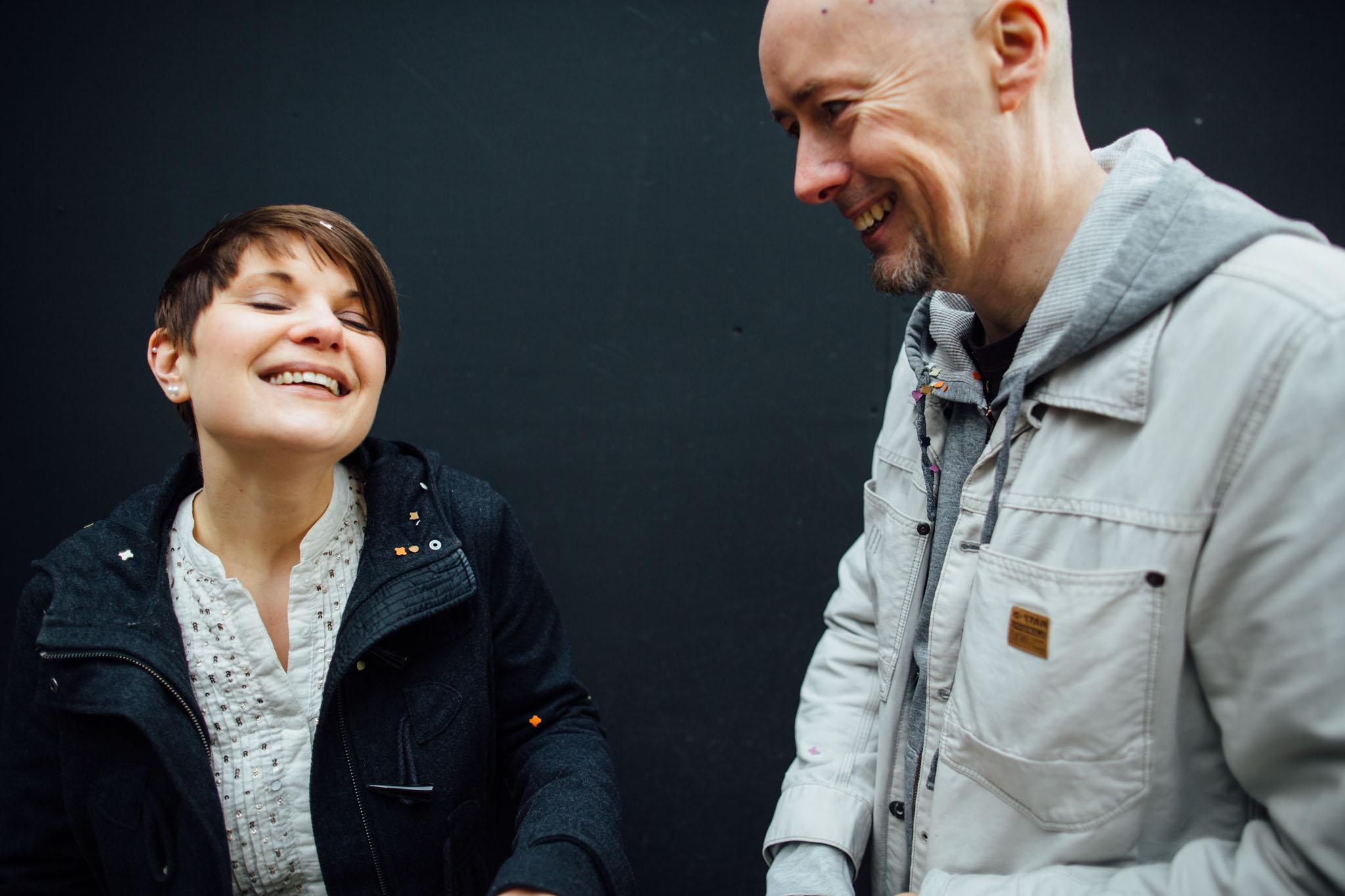 paarshooting-konfetti-berlin-hochzeitsfotograf