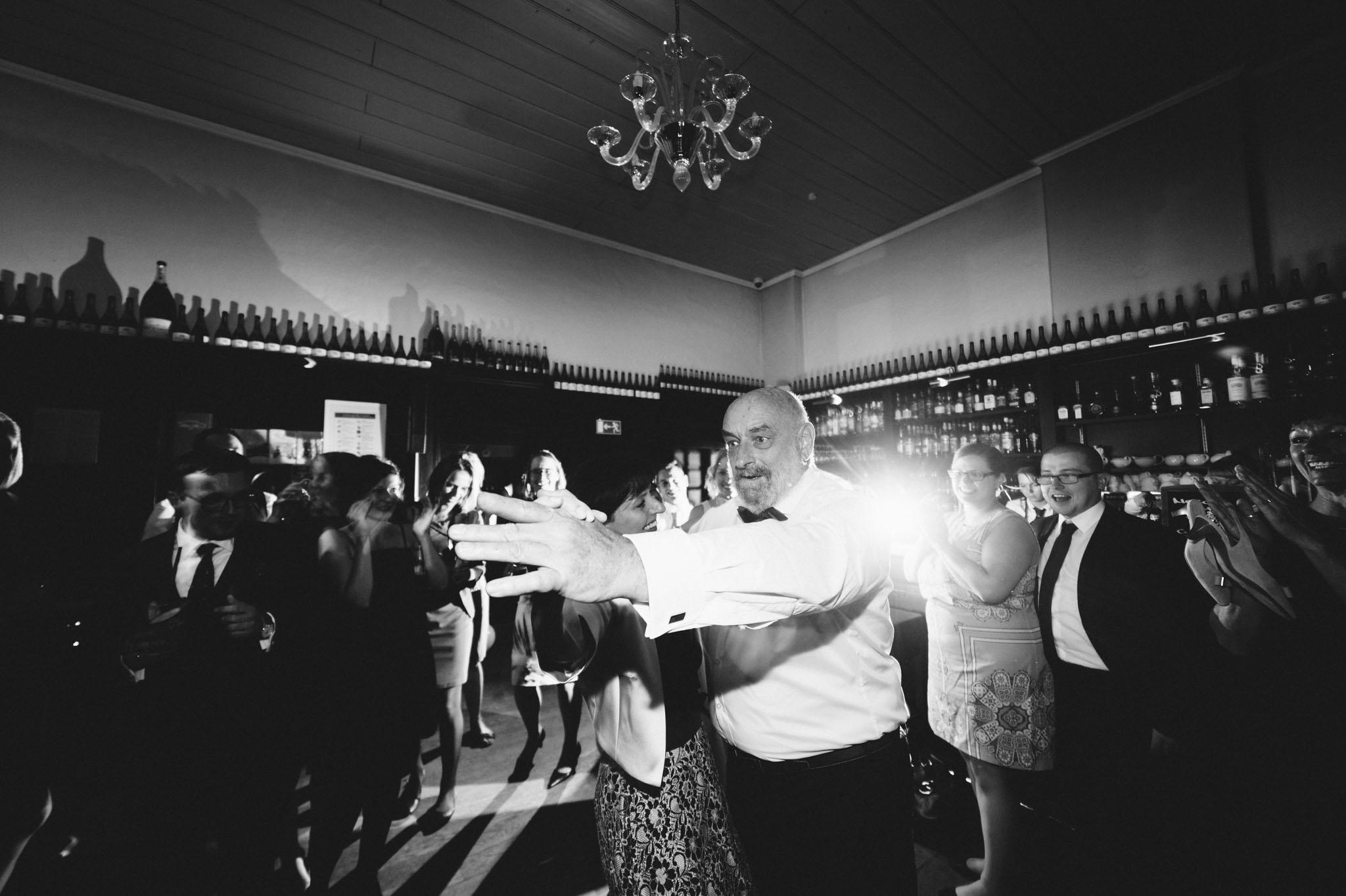 schloss-glienicke-hochzeitsfotograf-tanz