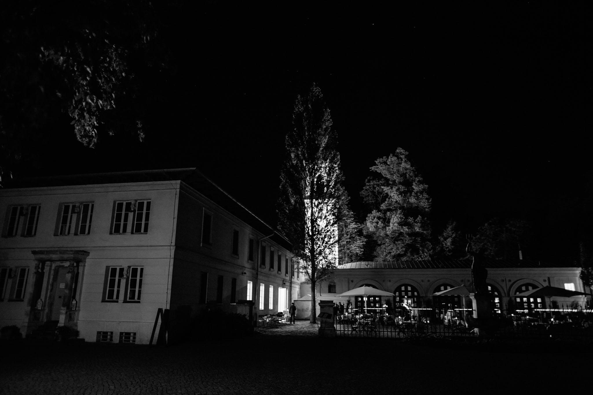 schloss-glienicke-schwarzweiss-nacht