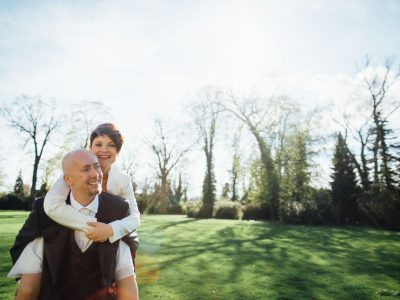 April showers and sunshine: reportage photos of a German-English wedding in Köpenick