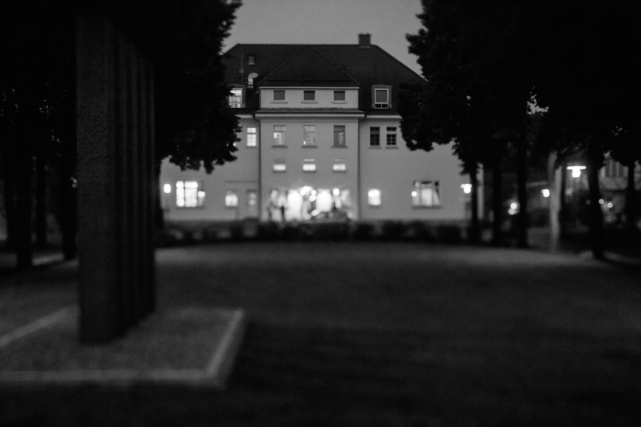 akademie-schmöckwitz-nachtaufnahme-schwarzweiss