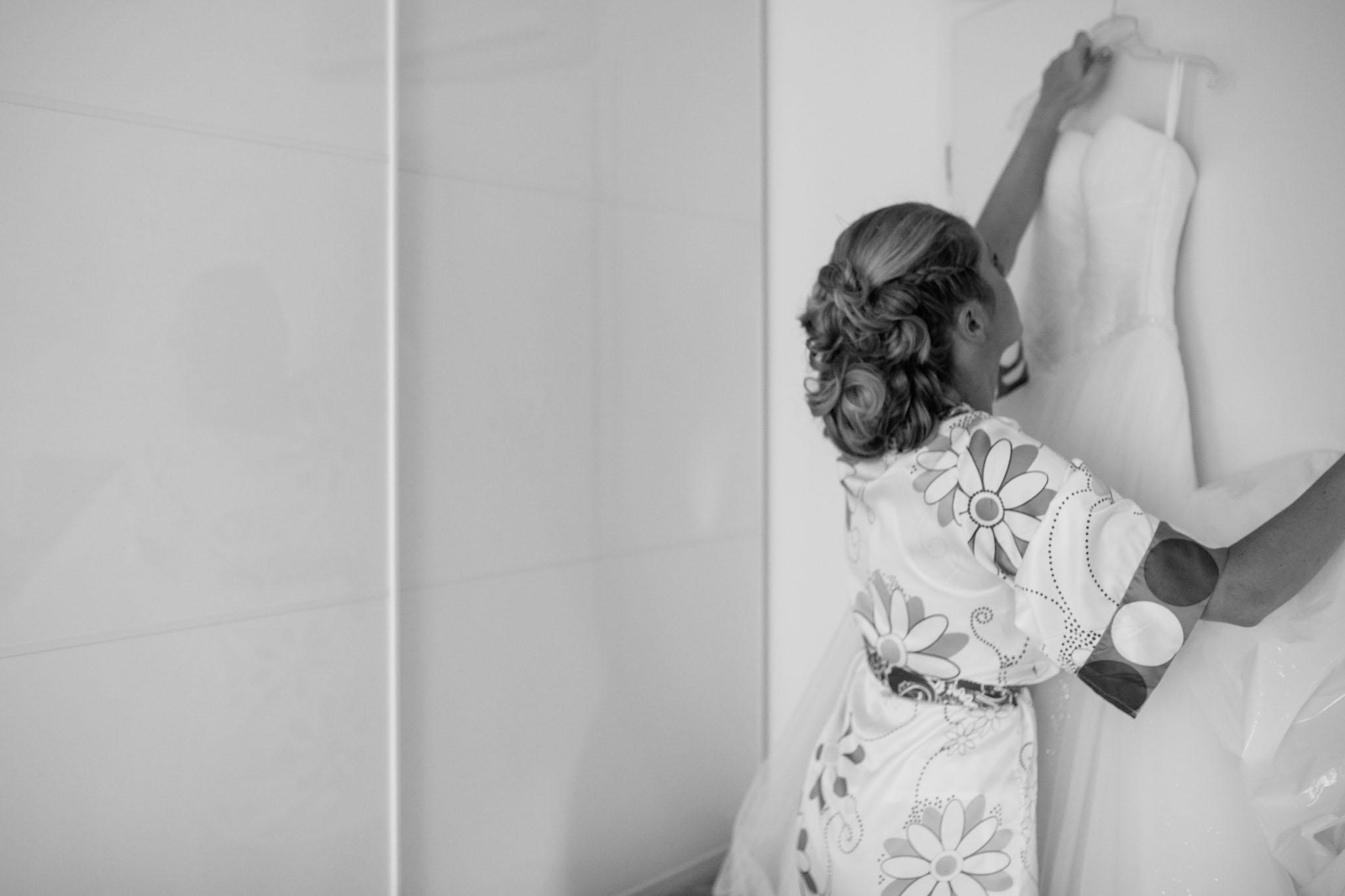 hochzeitskleid-getting-ready-reportage-fotograf-berlin