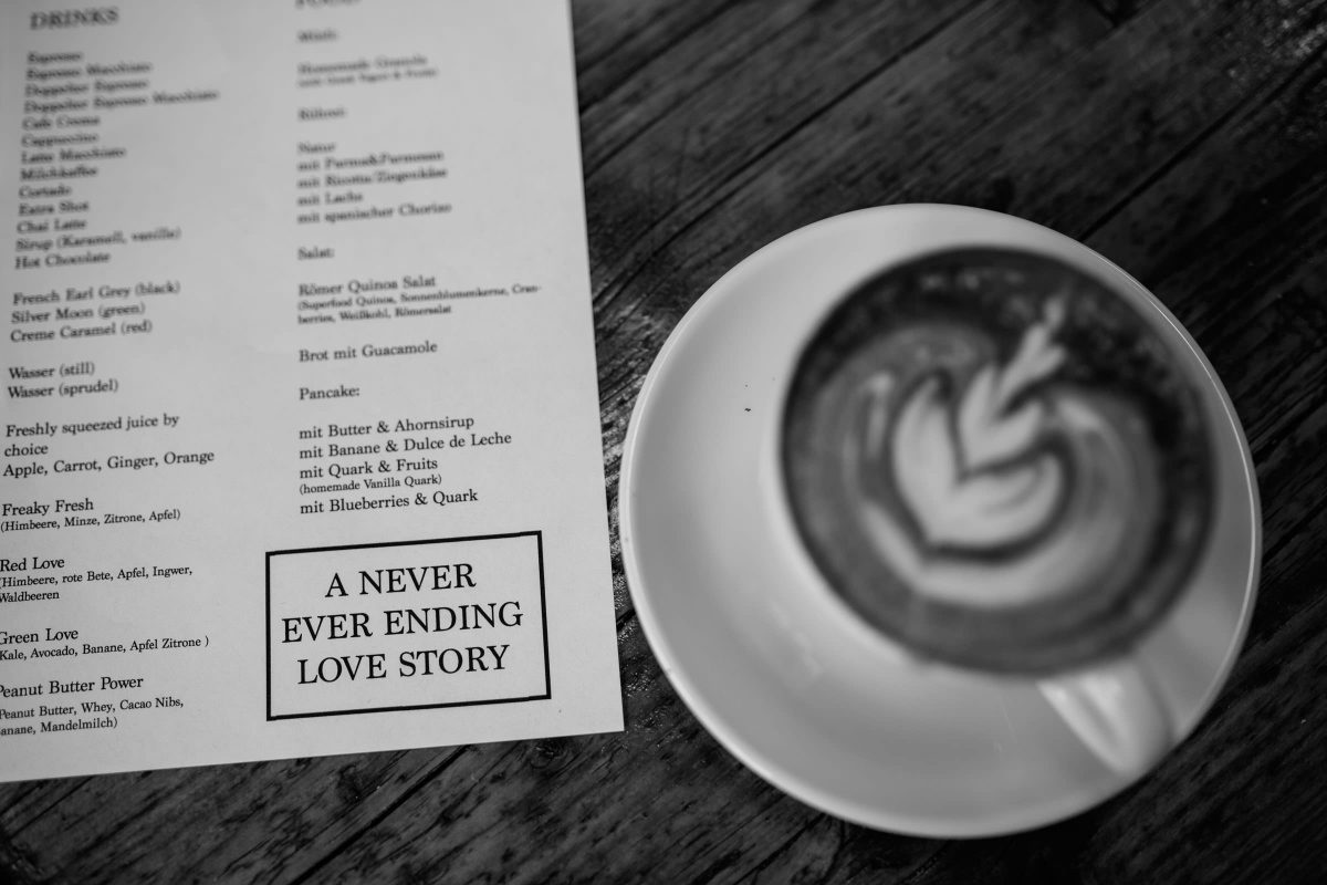 never-ever-ending-love-story-cafe-berlin