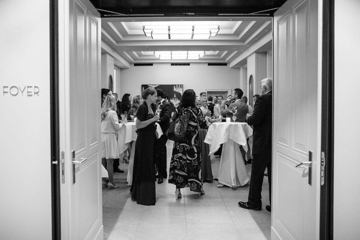 hotel-de-rome-lobby-gaeste-hochzeit-empfang