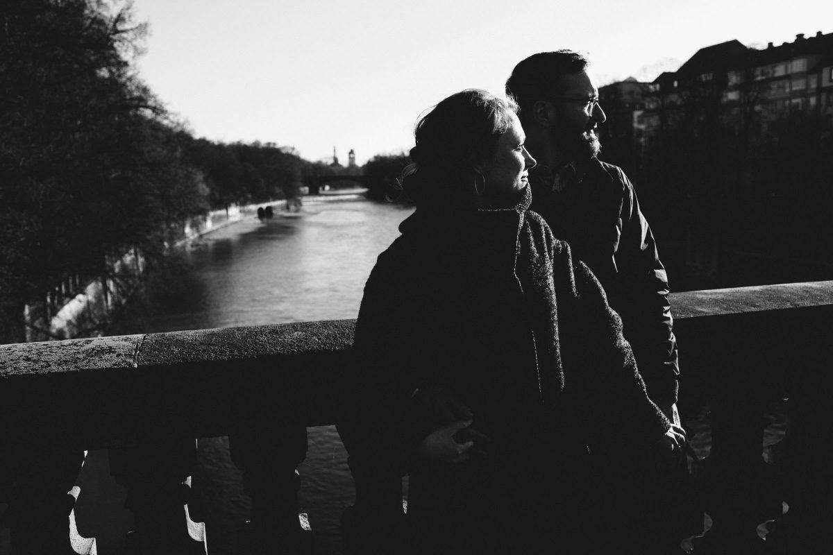 hochzeitsfotograf-muenchen-portraits-schwarzweiss-isar